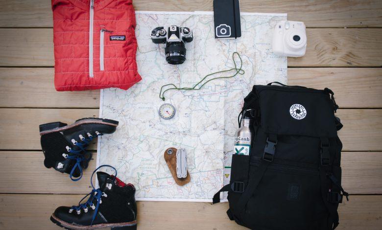 Туристически пакет с екипировка за туризъм